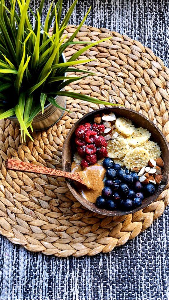 Porridge avoine-banane pas comme les autres : une recette saine et gourmande de Vanessa Ritter pour le magazine Découverte.