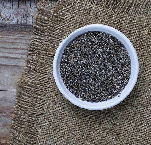 Graines de chia pour une recette savoureuse et saine.